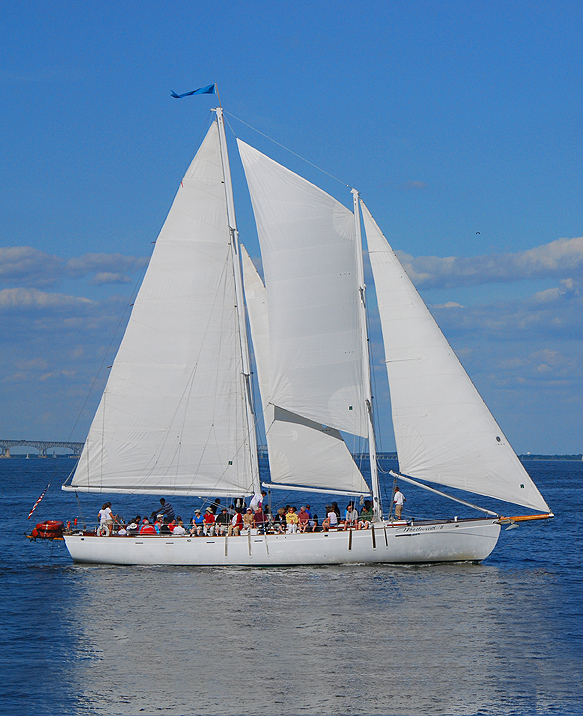 sailing cruises in annapolis maryland on the schooner woodwind on chesapeake bay family cruise 583x716