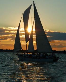 Sunset Sailing in Annapolis Maryland on the Schooner Woodwind