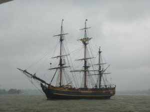 HMS Bounty sails into Annapolis