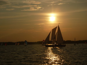 Woodwind sailing into the sunset