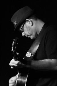 Bob Sima performing on the Schooner Woodwind