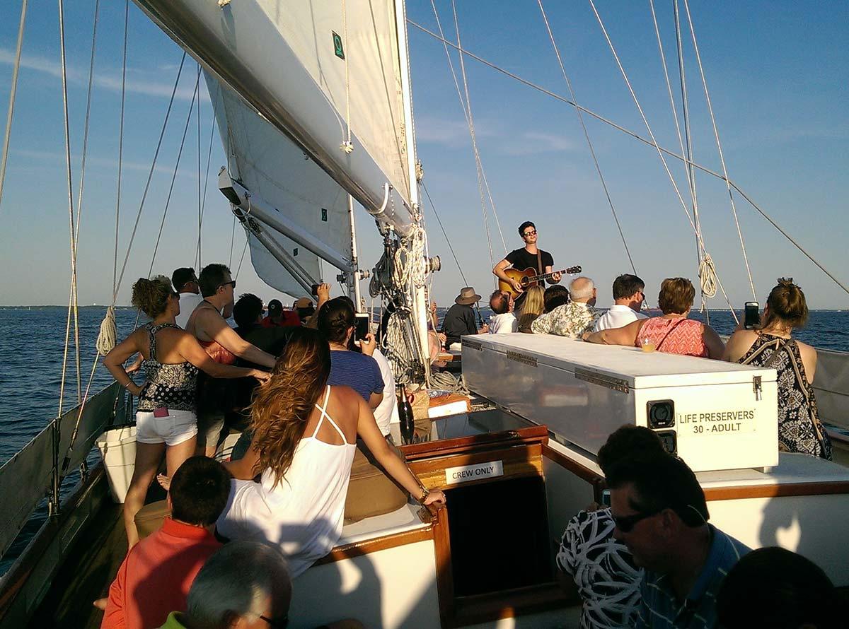 Sunset sail with singer Paul Pfau