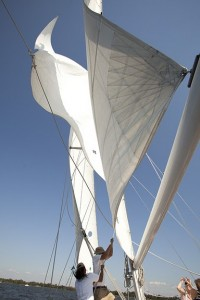 Learn how to race a schooner sailboat with the crew from the Schooner Woodwind