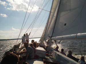 Great breeze, nice healing, fast sailing and happy guests!